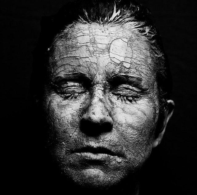 L'anziano - Dimenticato nel tempo